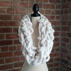 Chenille Infinity scarf (arm knitted)